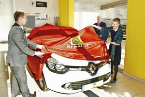 Kosmetyczka Roku 2013 jeździ już nowym Renault Clio!